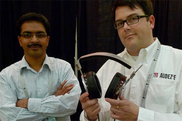 Alexander Rosson and Sankar Thiagasamudram holding a prototype of the LCD-2
