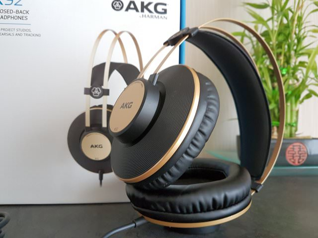 AKG K92 Headphones with Box
