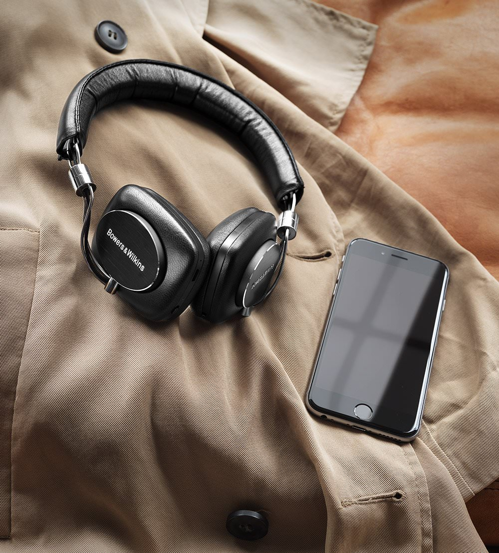 Bowers & Wilkins P5 Bluetooth with iPhone